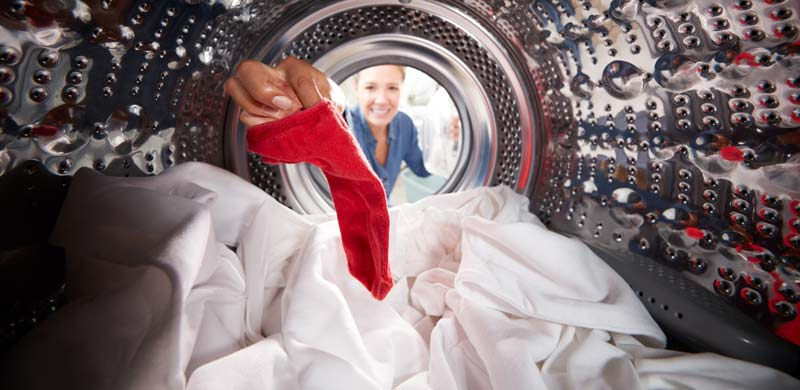 Cum se spala hainele de bebeluși? Află cele mai utile trucuri pentru spălarea hainelor de bebeluși